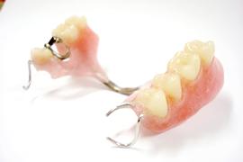 保険適応の部分入れ歯